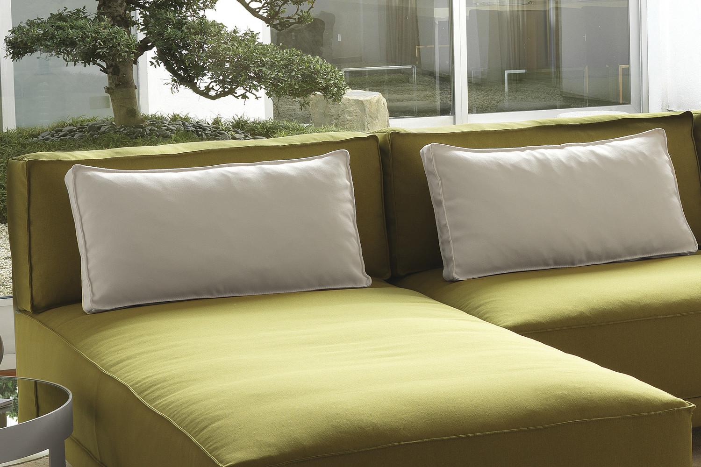 Cuscini di schienale per divano in piuma dennis - Foderare cuscino divano ...