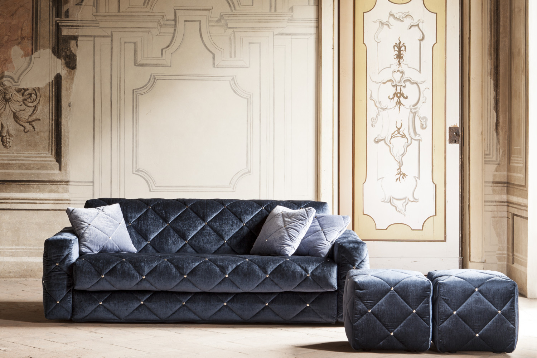 Divano letto trapuntato in velluto douglas for Divani velluto moderno