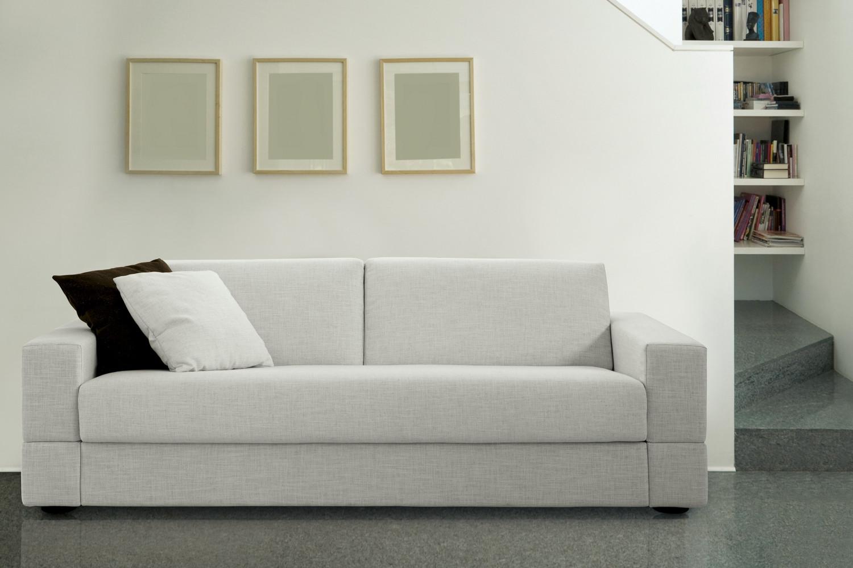 Divano 3 posti con seduta unica brian for Divano letto bianco