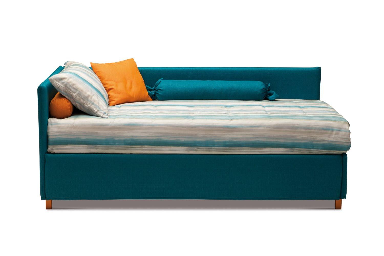 letto singolo con sponda antigua