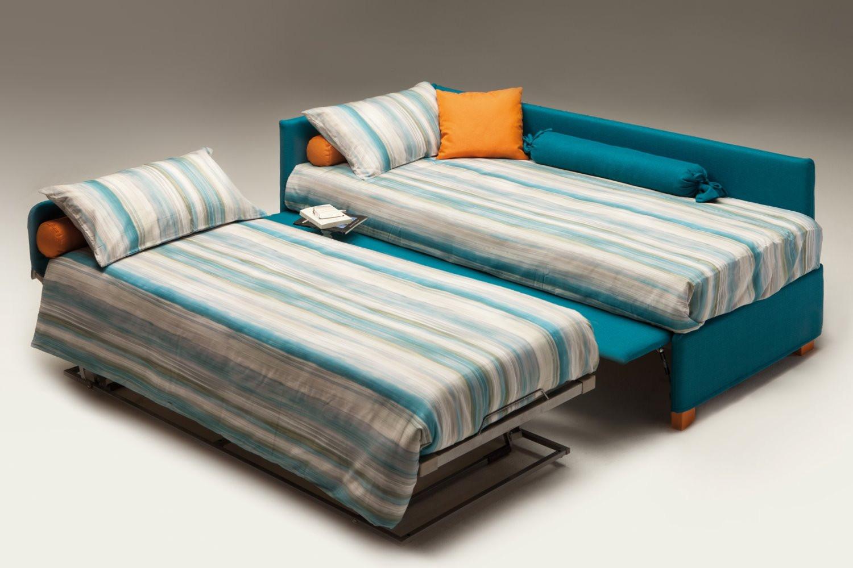ausziehbares bett auf gleicher h he ausziehbares bett auf. Black Bedroom Furniture Sets. Home Design Ideas