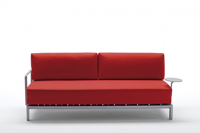 Willy Side è un divano letto salvaspazio ad apertura orizzontale, disponibile singolo e matrimoniale.
