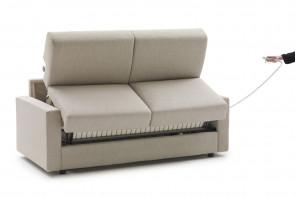 L'apertura automatica non richiede la rimozione dei cuscini di seduta e schienale.