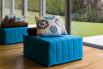 Chick è un pouf trasformabile in letto singolo dotato di materasso di 2 metri.