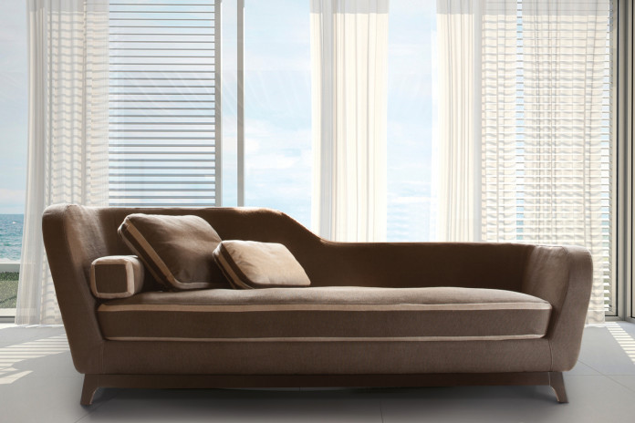 Jeremie sofa with seat edging in contrast with the whole cover.