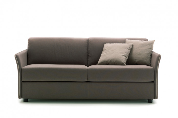 Stan standard model with nice curved slim armrests, with edgeing customisable in several colours.