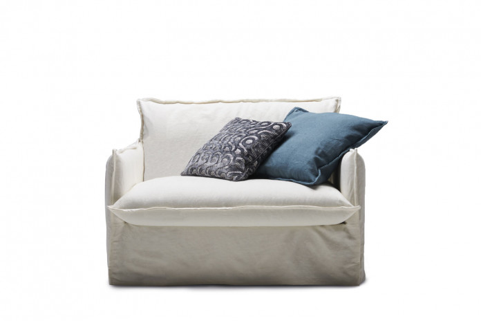 Comfy convertible armchair, equipped with a mattress 14 or 18 cm in depth
