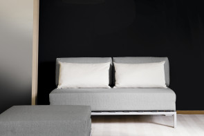 Willy is a sofa bed with slide-out base and embossed metal structure.