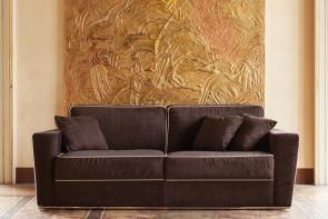 Retrohs sofa with coloured hems.