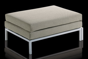 Willy Pouf ottoman bed with high feet - front view