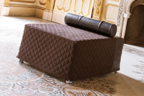 Oscar ottoman with double bed