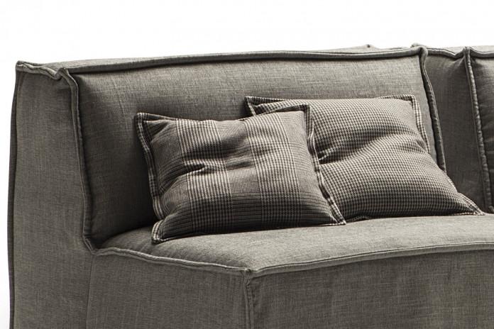 Cuscini decorativi per divano: modelli cm 43x43 con profilo
