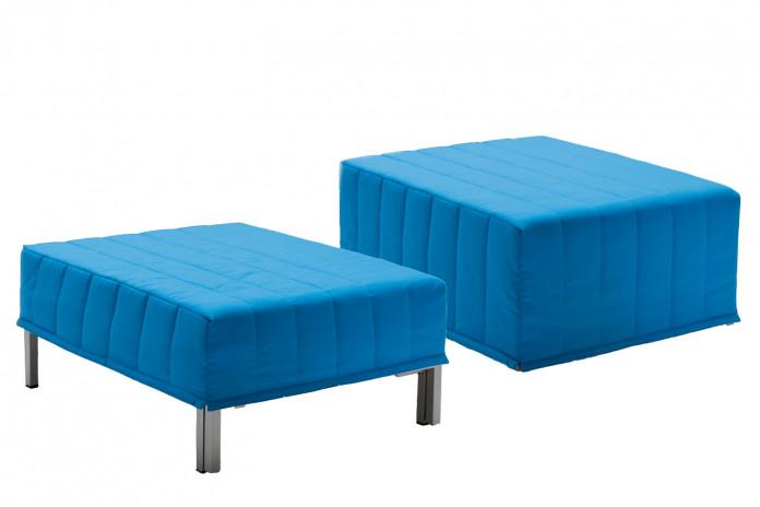 Chick è un pouf trasformabile in letto singolo, disponibile con rivestimento in due modelli.