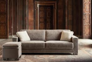 Garrison Sofa mit enganliegendem Bezug