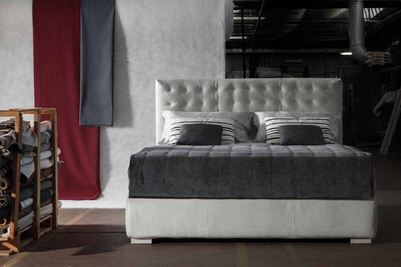lit avec t te de lit haute 140 cm fiji. Black Bedroom Furniture Sets. Home Design Ideas