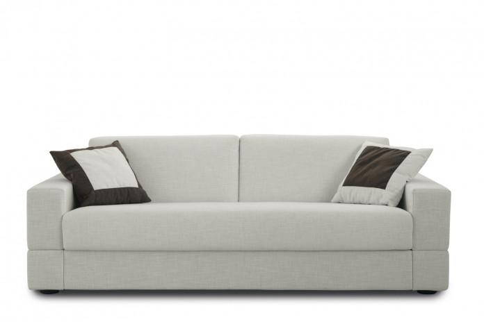 Brian est un canapé convertible à l'assise monobloc, idéal pour le couchage journalier (matelas H.14 cm)