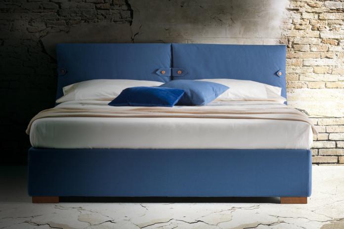 Lit avec tête de lit et coussins rembourrés Marianne