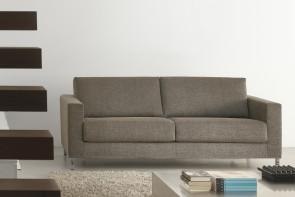 Canapé italien 3 places pas cher: tissu chiné et pieds hauts en métal