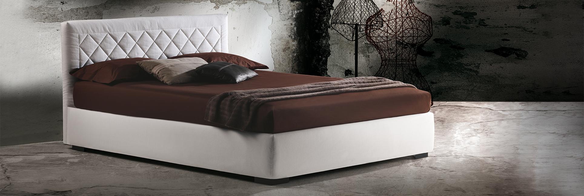 Lit avec tête de lit matelassée Martinica